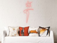 L'Homme Mysterieux Cushions - Poser Image 4